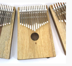Now available: Blond or Part Blond Alto Kalimbas